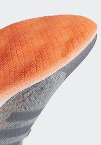 adidas Performance - FOCUSBREATHEIN SHOES - Hardloopschoenen neutraal - grey - 8