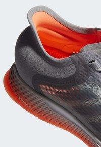 adidas Performance - FOCUSBREATHEIN SHOES - Hardloopschoenen neutraal - grey - 9