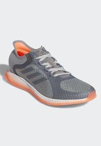 adidas Performance - FOCUSBREATHEIN SHOES - Hardloopschoenen neutraal - grey - 3