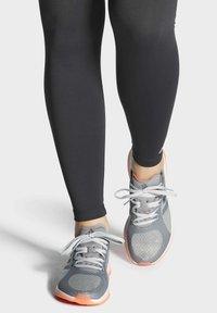 adidas Performance - FOCUSBREATHEIN SHOES - Hardloopschoenen neutraal - grey - 0