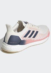 adidas Performance - SOLARBOOST 19 SHOES - Zapatillas de running neutras - white - 4