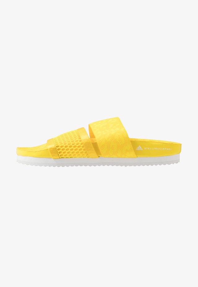 STELLA-LETTE - Pool slides - vivid yellow/footwear white
