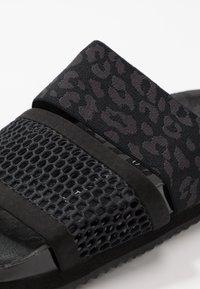 adidas by Stella McCartney - STELLA-LETTE - Sandały kąpielowe - core black/utility black/footwear white - 5