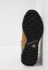 adidas Performance - TERREX PATHMAKER CLIMAPROOF HIKING SHOES - Outdoorschoenen - raw desert/legend earth/core black - 4
