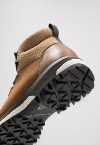 adidas Performance - TERREX PATHMAKER CLIMAPROOF HIKING SHOES - Outdoorschoenen - raw desert/legend earth/core black - 5