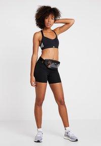adidas Performance - TIGHT - Korte sportsbukser - black - 1