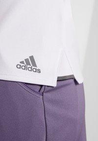 adidas Performance - CLUB TEE - Camiseta estampada - purple - 6