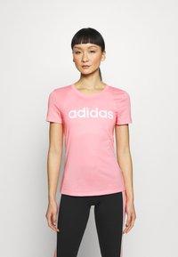 adidas Performance - ESSENTIALS SPORTS SLIM SHORT SLEEVE TEE - T-shirts print - pink/white - 0