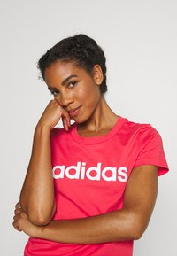 adidas Performance - ESSENTIALS SPORTS SLIM SHORT SLEEVE TEE - T-shirt print - pink/white - 3
