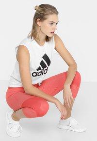 adidas Performance - MUST HAVES SPORT REGULAR FIT TANK TOP - Sportshirt - white/black - 1