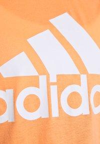adidas Performance - MUST HAVES SPORT REGULAR FIT TANK TOP - Sportshirt - ambtin/white - 6