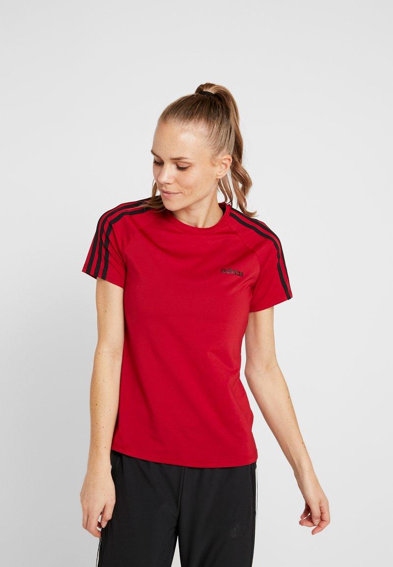 adidas Performance - 3S TEE - T-shirts med print - active maroon/black