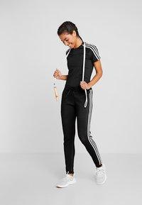 adidas Performance - 3S TEE - T-shirts med print - black - 1