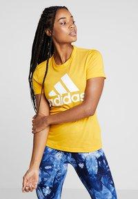 adidas Performance - W MH BOS TEE - T-shirt sportiva - gold - 0