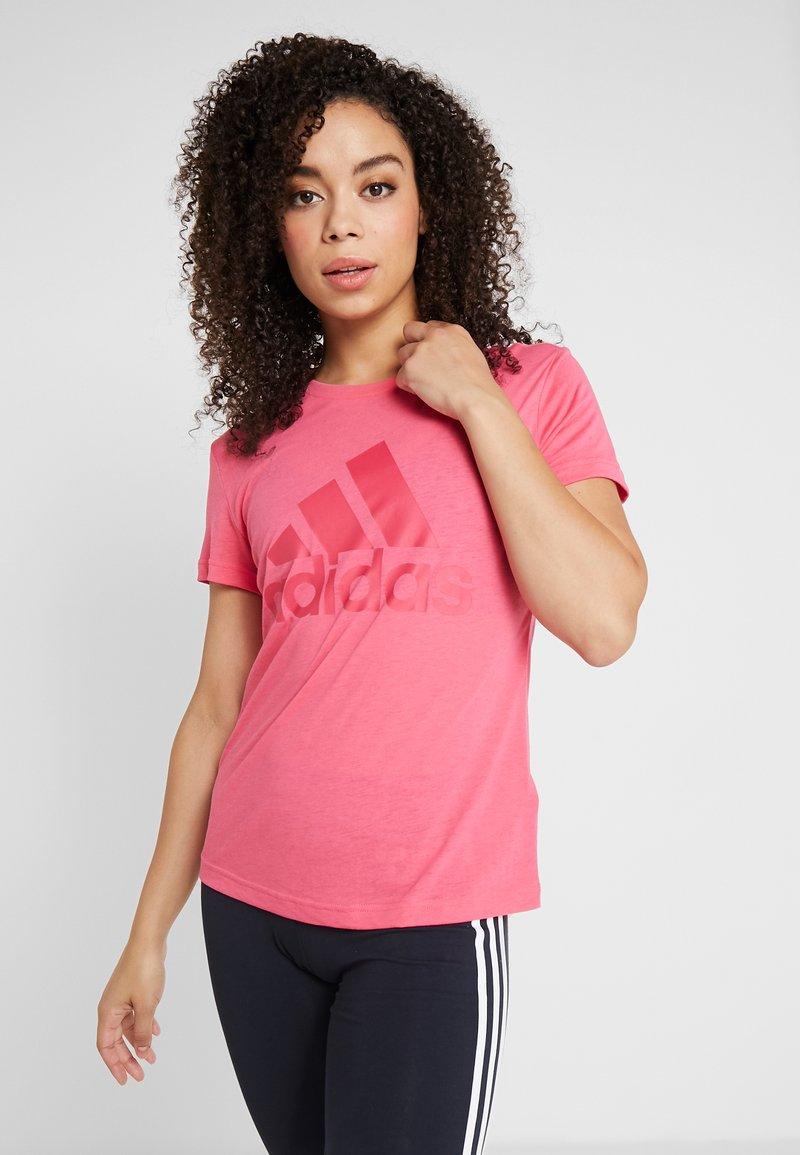 adidas Performance - W MH BOS TEE - Treningsskjorter - pink