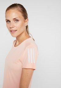 adidas Performance - THE RUN TEE - T-shirt med print - pink - 3