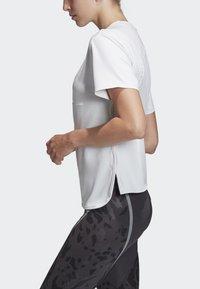 adidas by Stella McCartney - SPORT CLIMACOOL RUNNING T-SHIRT - Sportshirt - white - 5