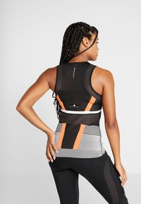 adidas Performance - PRIMEKNIT RUNNING TANK TOP - T-shirt de sport - black/chalk white/sesoor - 2