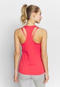 adidas Performance - SLIM - T-shirt z nadrukiem - pink/white - 2