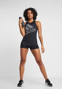 adidas Performance - BOS LOGO TANK - Toppi - black - 1