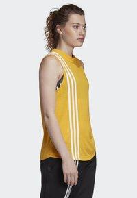 adidas Performance - MUST HAVES 3-STRIPES TANK TOP - T-shirt de sport - yellow - 3