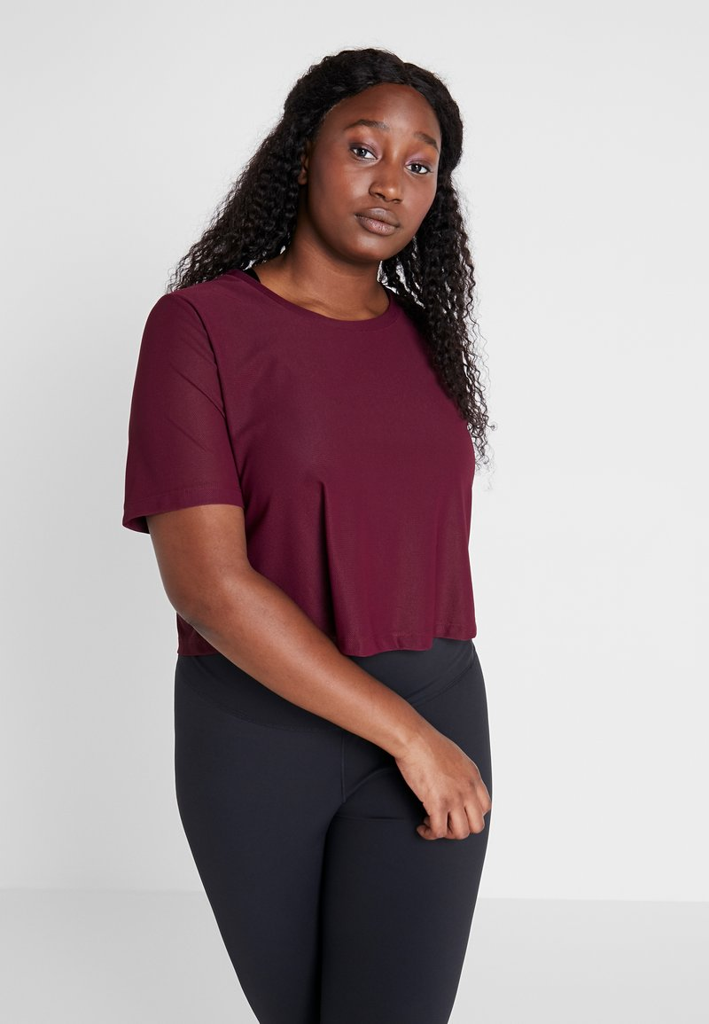 adidas Performance - CROP TEE - T-shirt basic - maroon