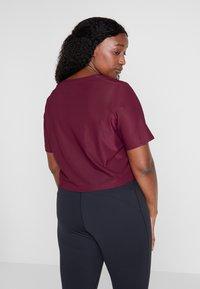 adidas Performance - CROP TEE - T-shirt basic - maroon - 2