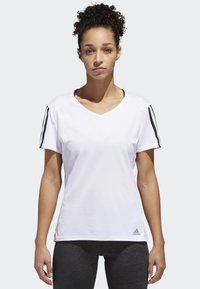 adidas Performance - RUNNING 3-STRIPES T-SHIRT - T-shirts med print - white - 0