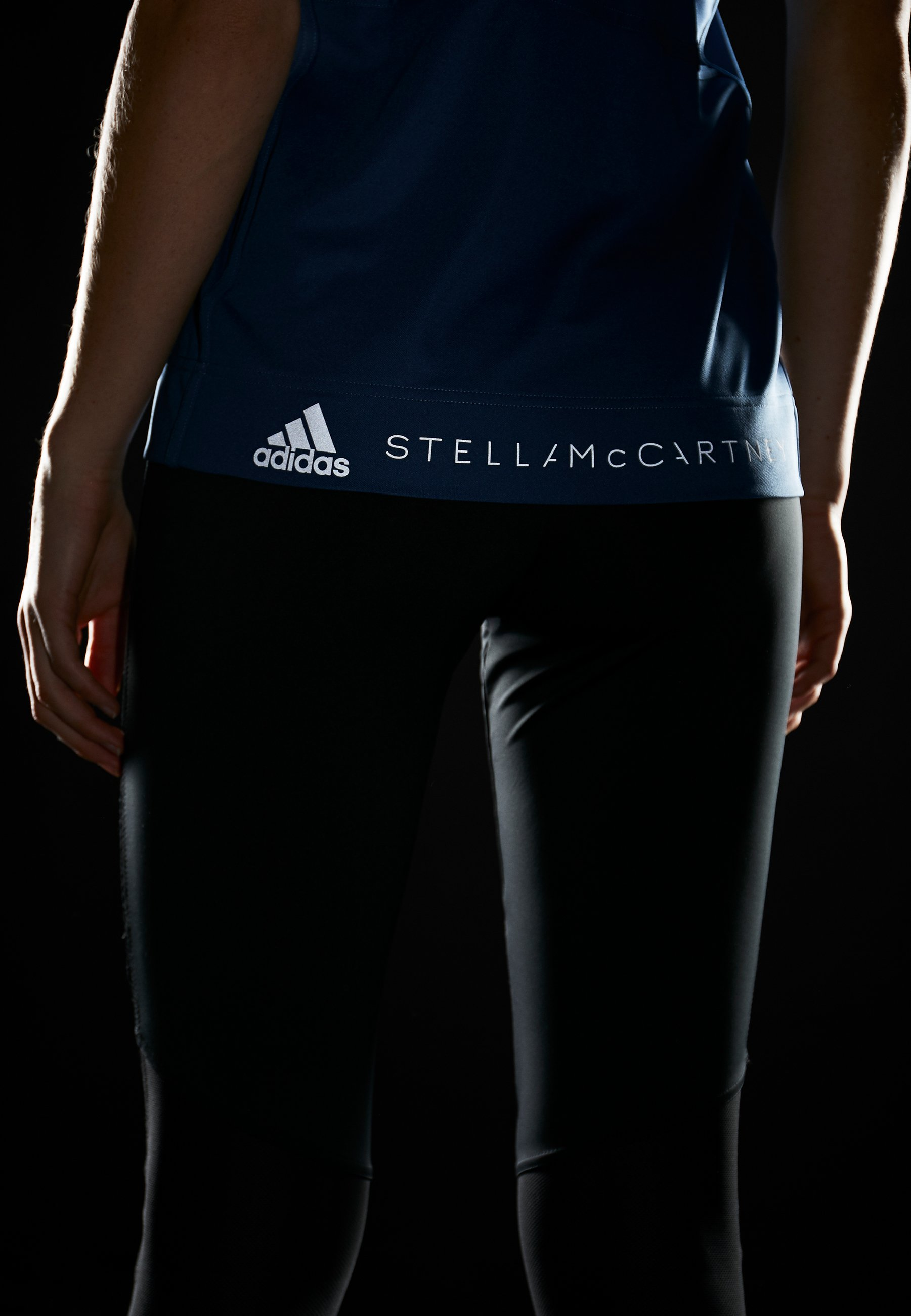 adidas by Stella McCartney GRAPHIC TANK - Topper - visblu