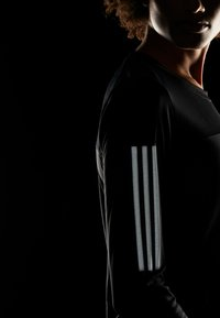 adidas Performance - OWN THE RUN AEROREADY LONG SLEEVE T-SHIRT - Tekninen urheilupaita - black - 5