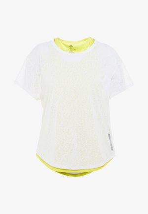 ADAPT TEE 2-IN-1 - T-shirt z nadrukiem - white/yellow