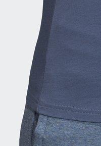 adidas Performance - ESSENTIALS 3-STRIPES T-SHIRT - T-shirt imprimé - blue - 6