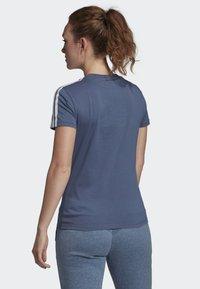 adidas Performance - ESSENTIALS 3-STRIPES T-SHIRT - T-shirt imprimé - blue - 1