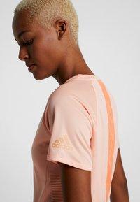 adidas Performance - TEE  - Triko spotiskem - glow pink - 6