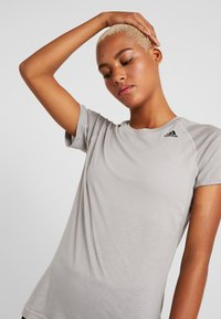 adidas Performance - PRIME - Print T-shirt - solid grey - 4