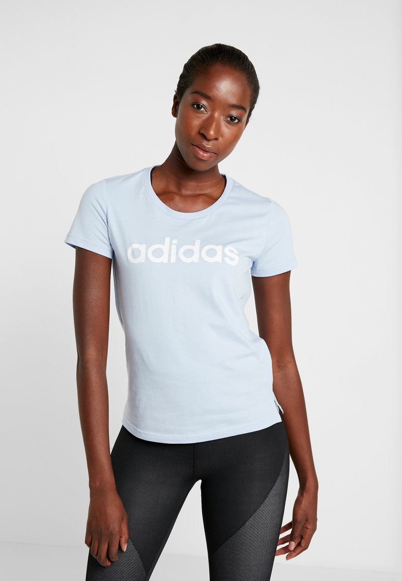 adidas Performance - LINEAR TEE  - T-shirts med print - glow blue/white