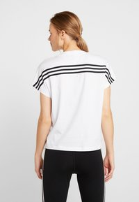 adidas Performance - TEE - Printtipaita - white/black - 2