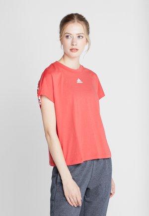 TEE - Camiseta estampada - glored/white