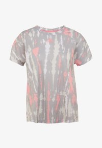 adidas Performance - TEE - T-shirts med print - white/medium grey/glow pink - 4
