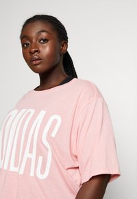 adidas Performance - TEE - T-shirts med print - glow pink - 3