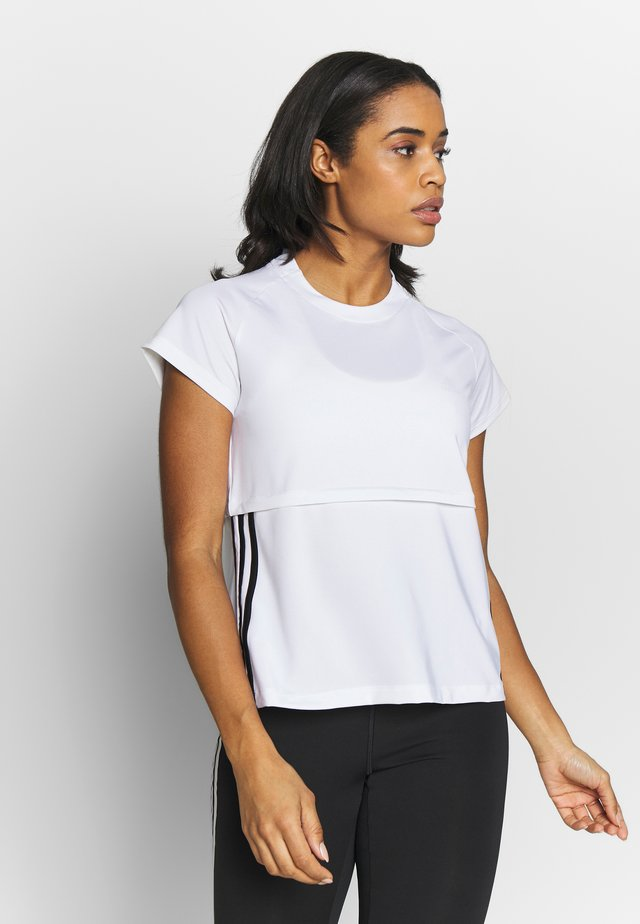 3S CAP TEE - Print T-shirt - white/black