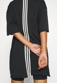 adidas Performance - TEE - T-shirts med print - black - 4
