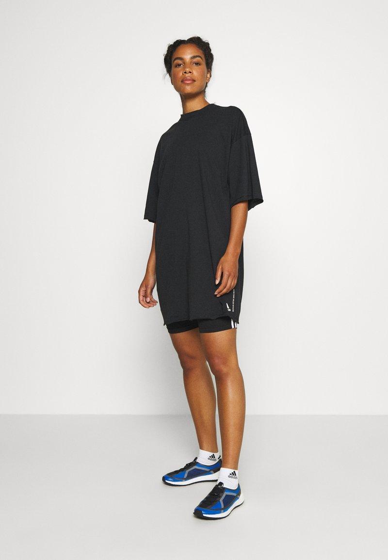adidas Performance - TEE - T-shirts med print - black