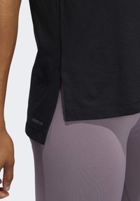 adidas Performance - GO-TO T-SHIRT - T-shirt z nadrukiem - black - 5