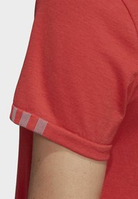 adidas Performance - 25/7 T-SHIRT - Printtipaita - glory red - 5