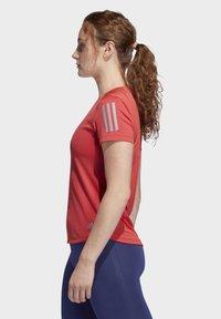 adidas Performance - OWN THE RUN T-SHIRT - Printtipaita - red - 4