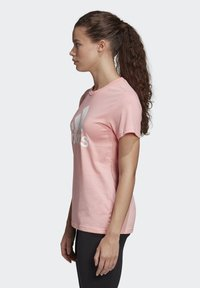 adidas Performance - MUST HAVES BADGE OF SPORT T-SHIRT - Print T-shirt - glory pink - 3