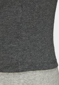 adidas Performance - ESSENTIALS LINEAR T-SHIRT - T-shirts med print - grey - 6