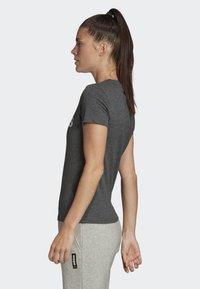 adidas Performance - ESSENTIALS LINEAR T-SHIRT - T-shirts med print - grey - 2