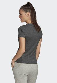 adidas Performance - ESSENTIALS LINEAR T-SHIRT - T-shirts med print - grey - 1